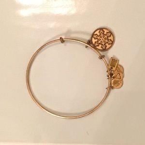 Alex and ani gold bracelet like new SKOWFLAKE